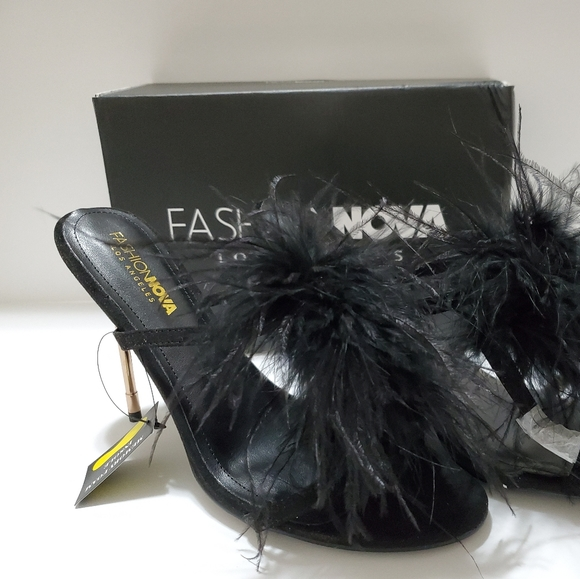 Black Feather Pumps | Poshmark